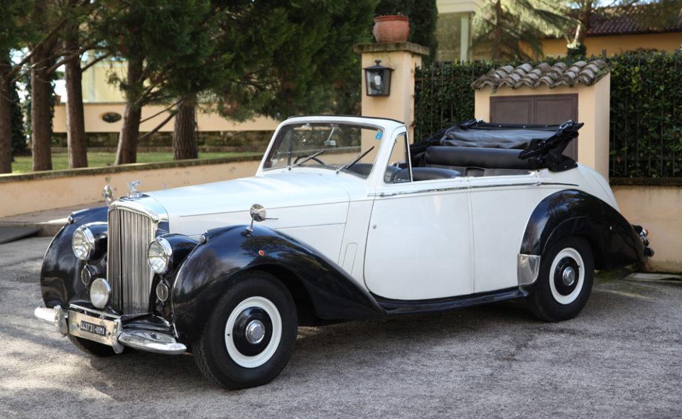 Bentley R type Autonoleggio auto di lusso NCC Bari Pasquale Vallone group Puglia